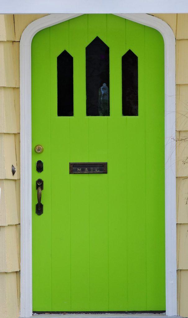 Entretien d'une porte en bois