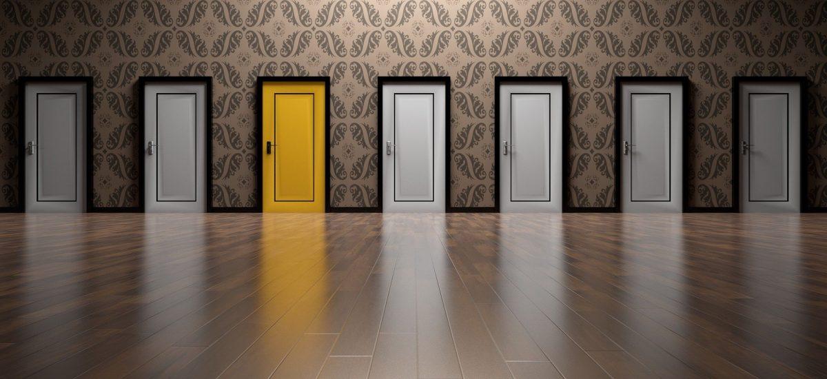 Les avantages et inconvénients des portes en PVC